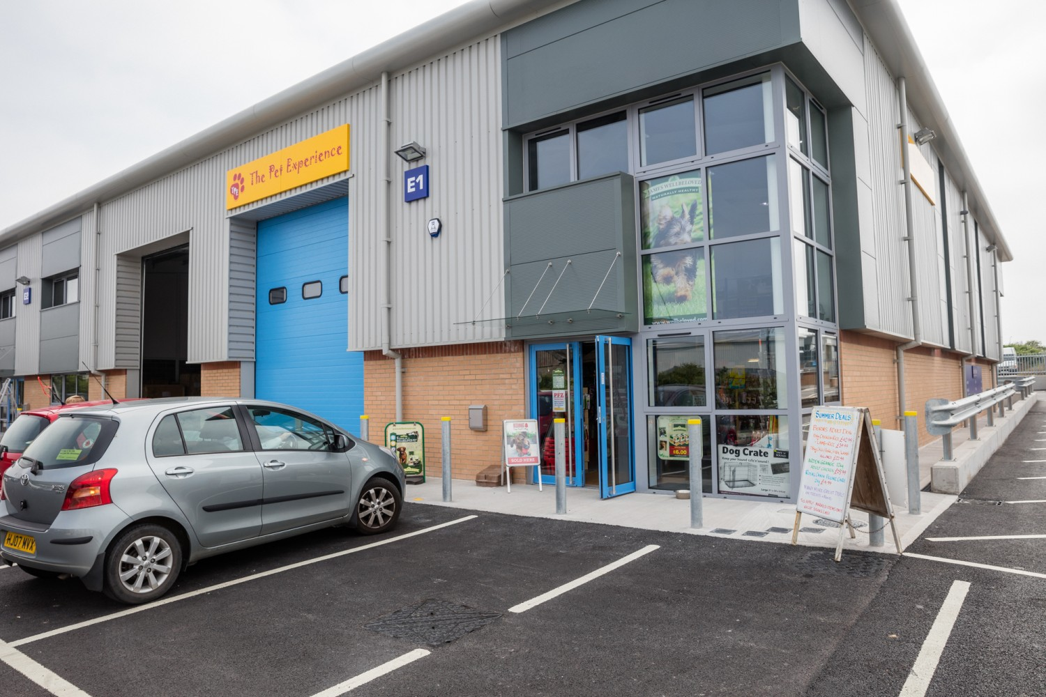 E1 Link Park-Weymouth-pet-food-shop